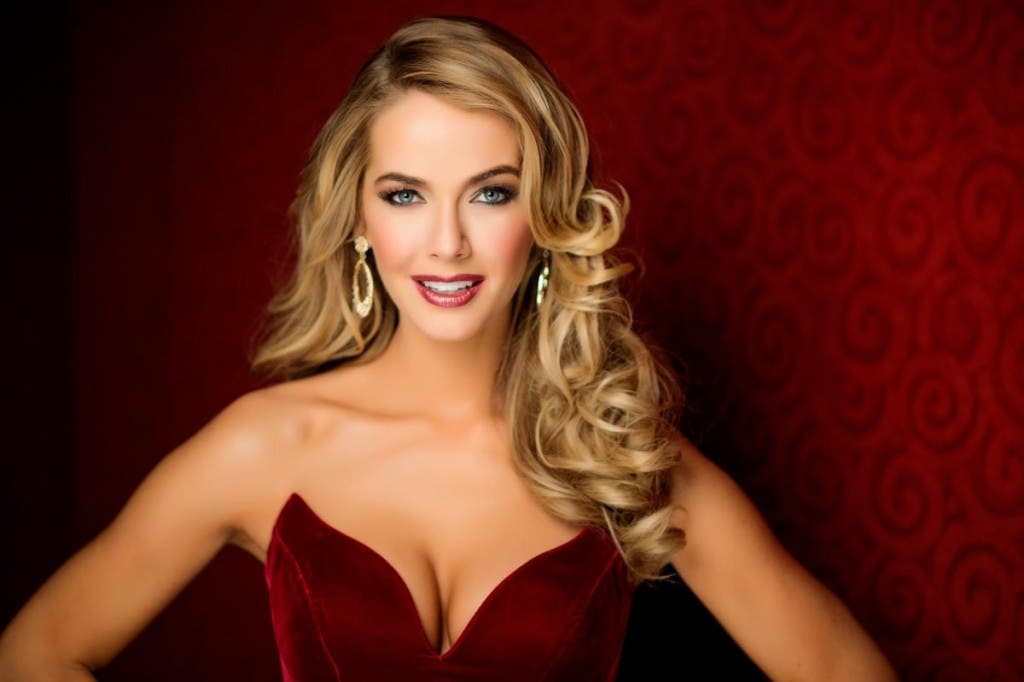 Olivia Jordan, Miss USA 2015 poses in her evening gown upon arriving to Planet Hollywood Resort & Casino. The 2015 Miss Universe contestants are touring, filming, rehearsing and preparing to compete for the DIC Crown in Las Vegas. Tune in to the FOX telecast at 7:00 PM ET live/PT tape-delayed on Sunday, Dec. 20, from Planet Hollywood Resort & Casino in Las Vegas to see who will become Miss Universe 2015. HO/The Miss Universe Organization --LIGHT RETOUCHING--