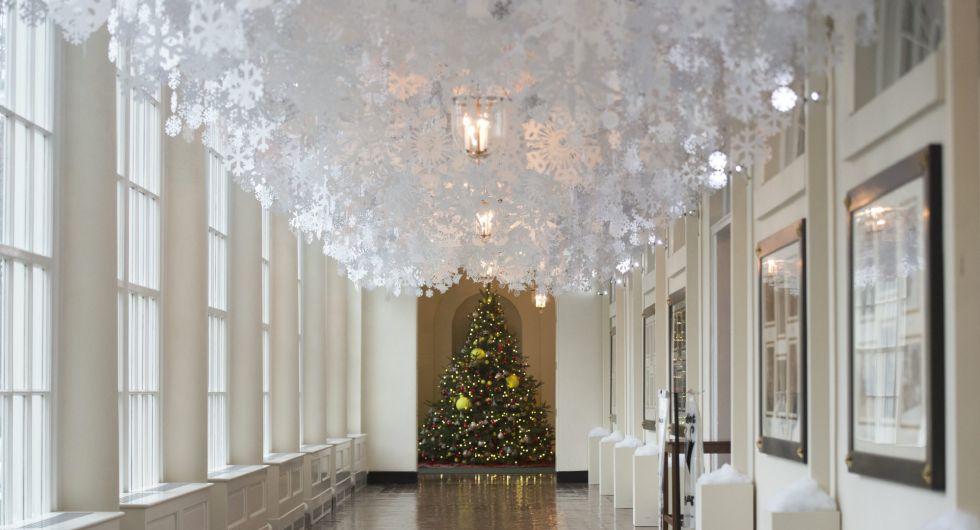 Talento para exportar as luce la casa blanca con la for Casa clasica caracas