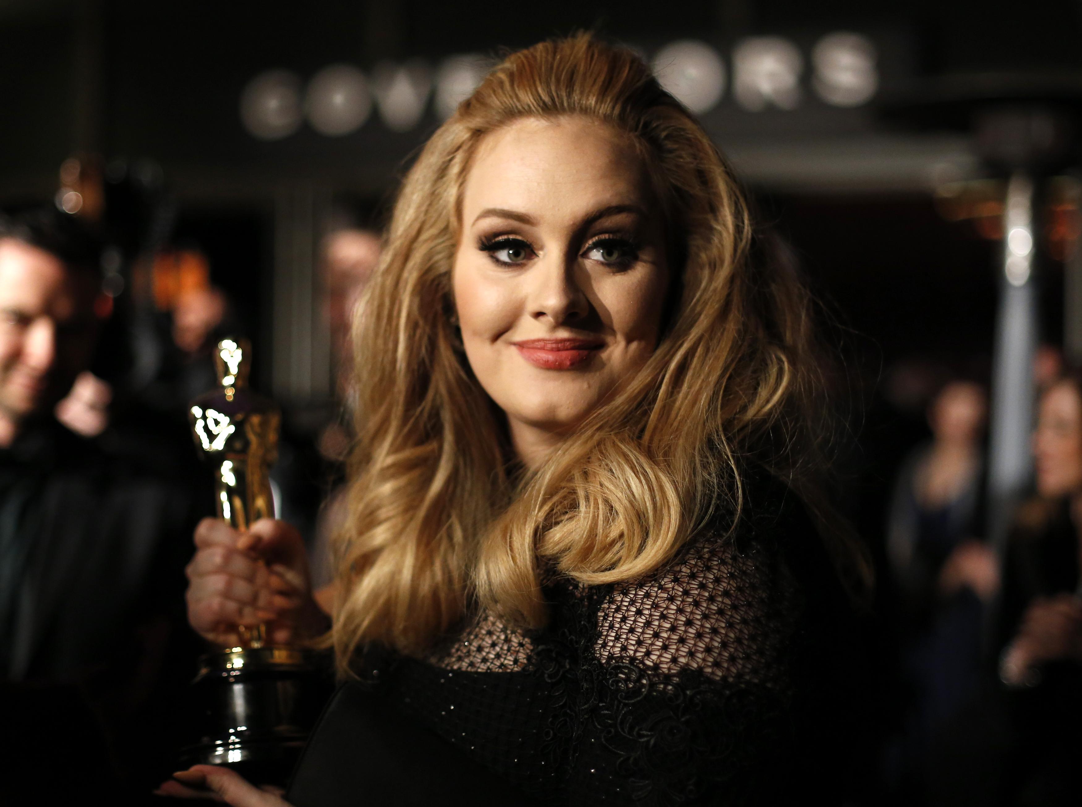La Asociación de la Industria Discográfica de Estados Unidos destacó hoy el otorgamiento de un certificado de diamante a la cantante británica Adele por su álbum titulado 25.