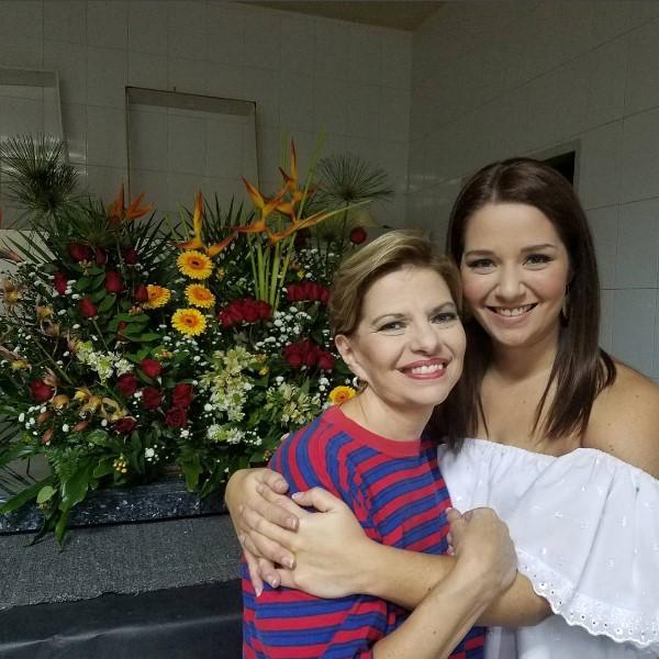 Resultado de imagen para DANIELA ALVARADO y su madre